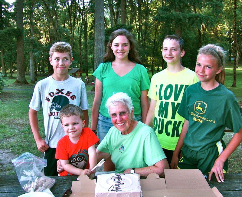 birthday picnic - whatmattersmostnow.typepad.com